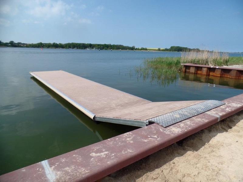 Schwimmsteg für Ruderverein Wolgast
