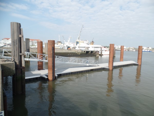 Schwimmsteganlage Cuxhaven